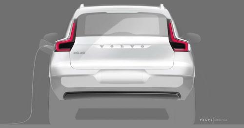 Laddluckan på XC40 Electric (modellbeteckningen vet vi ännu inte) sitter uppenbarligen på vänster bakskärm. På Volvos laddhybrider sitter luckan på vänster framskärm.
