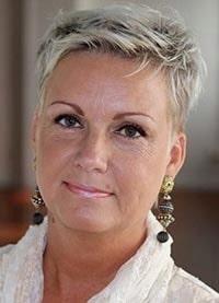 Charlotte Sander är samtalsterapeut och relationsexpert med över 15 års erfarenhet.