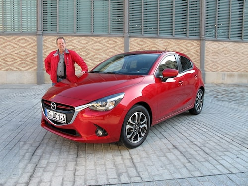 PeO Kjellström gillar Barcelona och han gillar nya Mazda 2. Allt är därmed frid och fröjd.