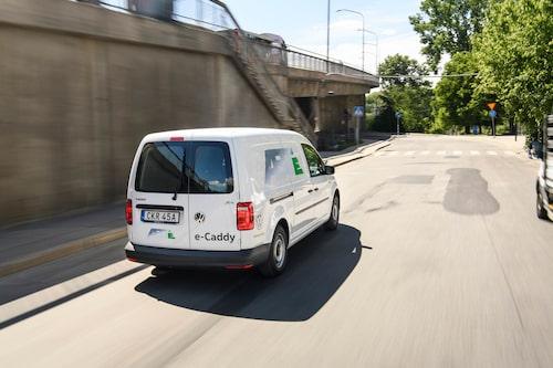 E-Caddy kostar i runda slängar 75 000 kronor mer än sina konkurrenter, men är inte bättre för det.