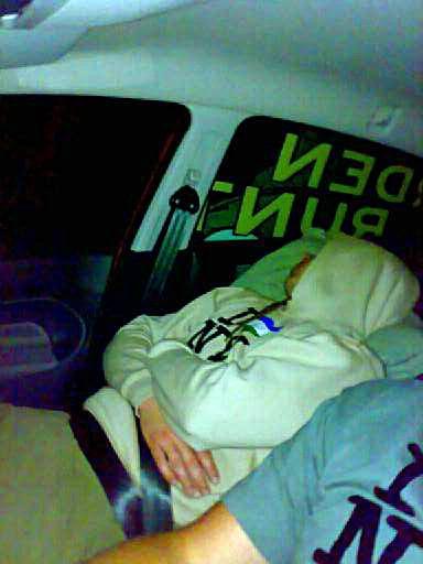 En styck trött och öronproppförsedd Johannes Collin.