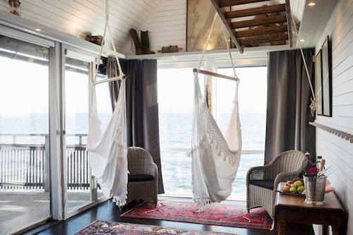 På Strandflickorna i Lysekil kan du bo med havet som granne.