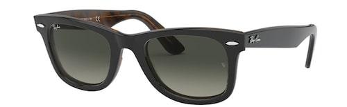 Ray Bans Wayfarer-solglasögon.