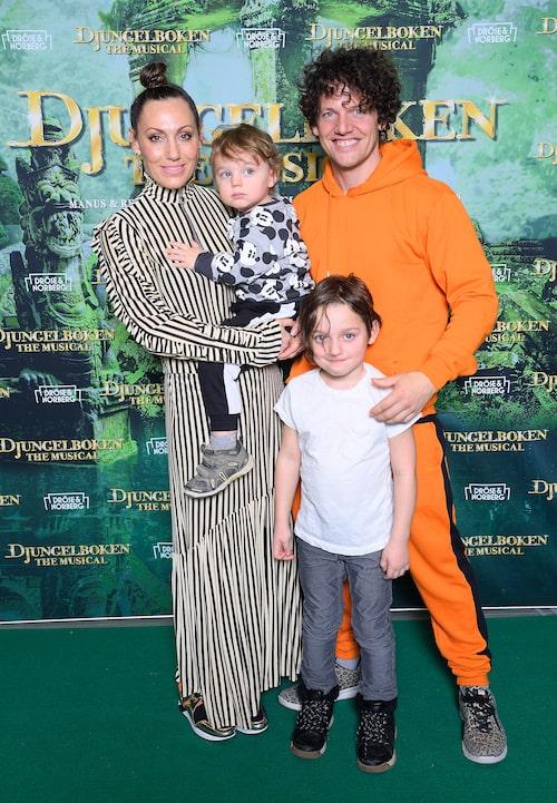Lina Hedlund med familjen: Nassim och barnen Tilo och Eide