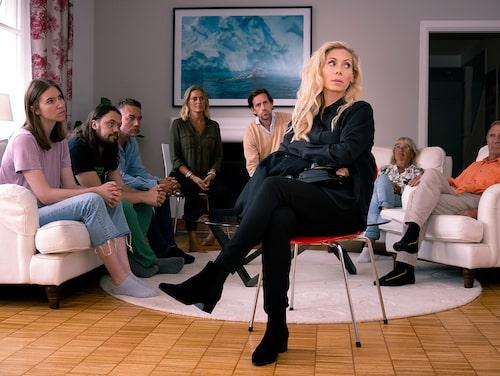 Eva Röse är skådespelerska och bor utanför Stockholm tillsammans med maken Jacob Felländer och barnen Florian, Flynn, Floyd och Franke.