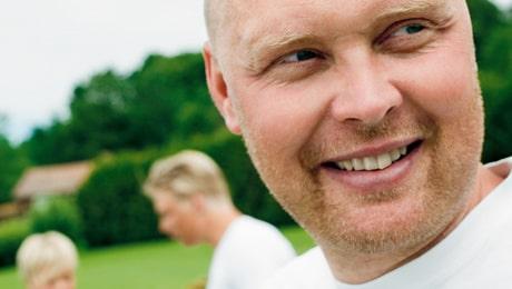 """""""I dag tillbringar jag mer tid med barnen än innan jag blev sjuk"""", berättar Klas Ingesson."""