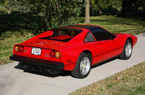 I takt med att 308 fick uppdateringar skickades nya bilar till filmteamet.