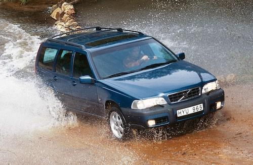 Generation 1: Volvo V70 XC, här 1998 års modell.