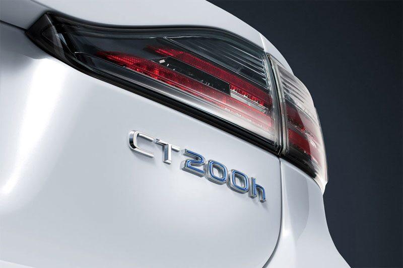 100213-Lexus CT 200h