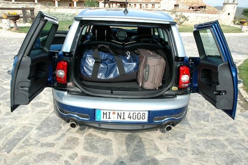 Släpp kraven om en packåsna till bil. Clubman tar på sin höjd tre mindre väskor.
