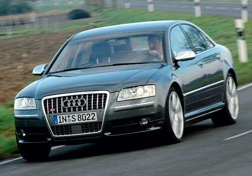 Provkörning av Audi S8