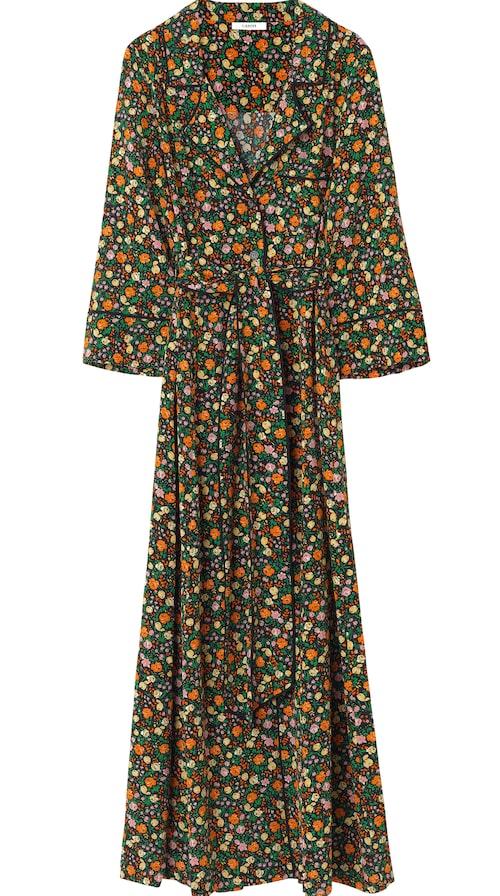 Småblommig klänning av siden, stl 34-42, 4 499 kr, Ganni.