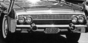 GG-300, regskyltarna på JFK:s limousine som han satt i när han mördades har sålts för knappt 900 000 kronor.