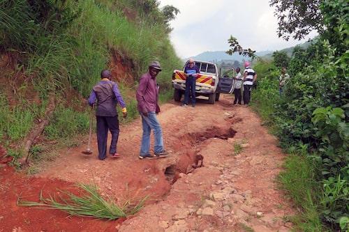 Teknikens Världs gamla fotopickis lever alltså fortfarande i Afrika, tio år efter det att vi körde dit den och skänkte den till pingstmissionens sjukhus i kongolesiska staden Lemera.
