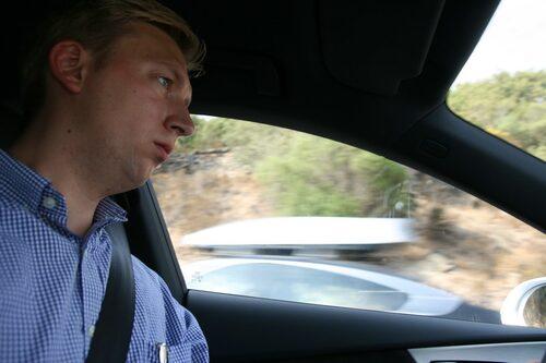 Teknikens Världs Erik Wedberg bakom ratten i nya Audi A7 Sportback.