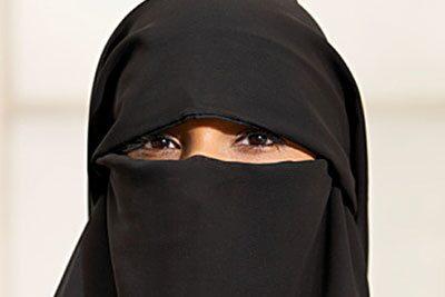 080122-kvinnor-saudi-bil