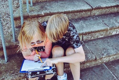Tips! Låt tipspromenaden innehålla frågor som passar alla åldrar: de minsta barnen, de större barnen –och de vuxna!