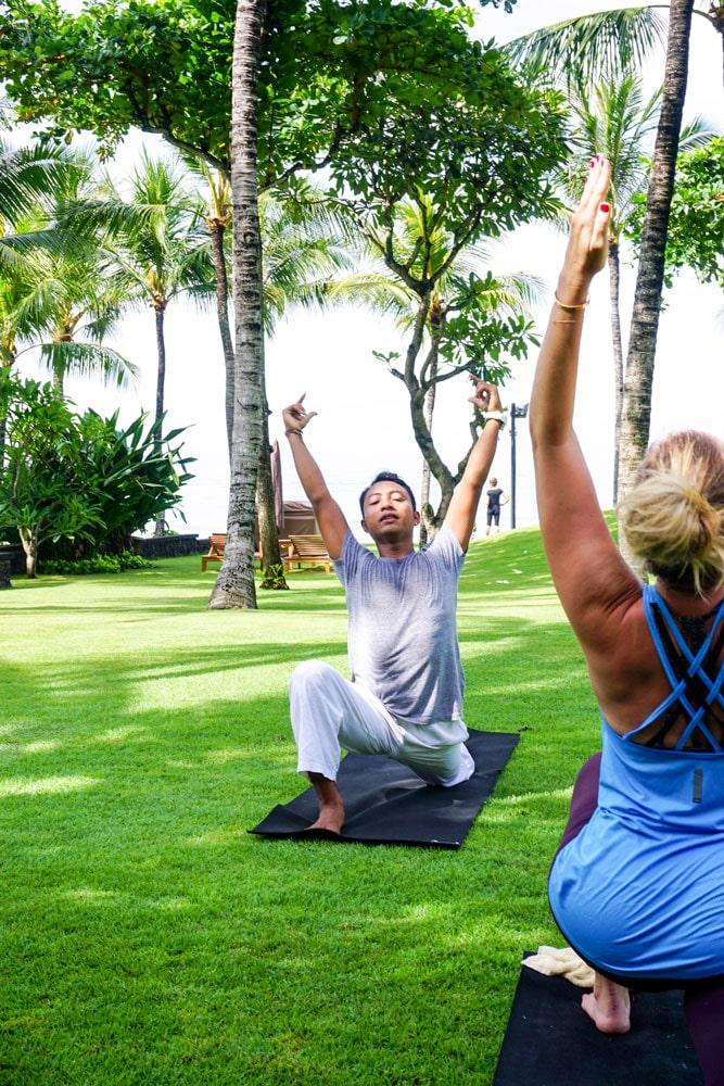 Ellen älskar att yoga.