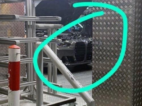 Bilden inifrån BMW:s fabrik som kom ut på Internet i oktober.