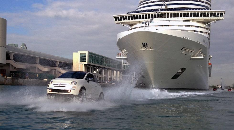 Fiat 500 eskorterar lyxkryssaren MSC Divina