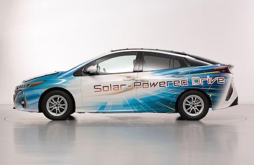 Nej, undertecknad tar inget ansvar för grafiken som Toyota satt på sidorna av solcells-Priusen. Men har åsikter om den.