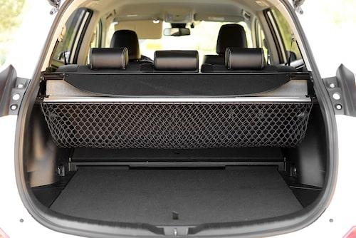 Det ryms nästan 90 liter mer bagage i RAV4 än i Lexus NX.