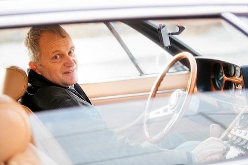 Ägaren Fredrik Ajnefors vårdar sin Lamborghini kärleksfullt och och försöker få tid till provturer så ofta det går.