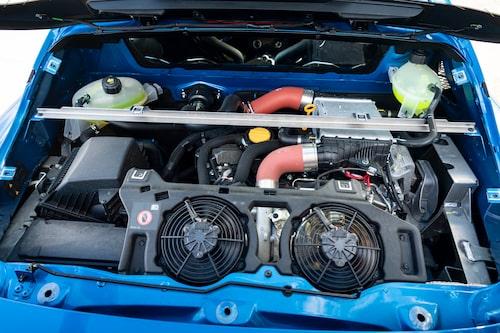 Nya Alpine endast säljs med dubbelkopplingslåda från Getrag. Den är sjuväxlad och är i princip likadan som den i Renault Megane RS.
