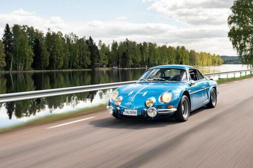 I fronten på originalet sitter faktiskt även en Renault-logga.