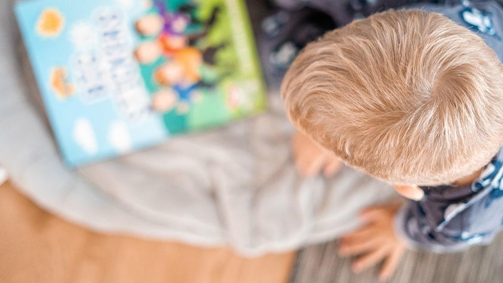4-åringen vill inte nattas av sin pappa. Hur kan jag hjälpa min man som blir otroligt ledsen? undrar mamman.