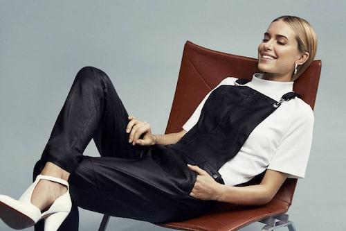 """""""Pernille Teisbæk - Skandinaviens största influencer som med boken """"Dress Scandinavian"""" har blivit spokesperson även för den skandinaviska enkla stilen med tillbakahållen styling."""""""