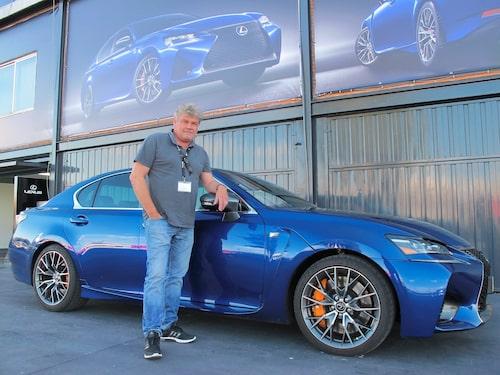 Borglund hängde både med Lexus GS F och på backspegeln.