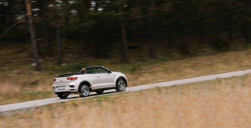 T-Roc Cabriolet ser kort och rumphuggen ut, men är några centimeter längre än vanliga T-Roc.