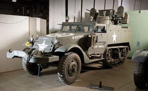 "1944 White M16 halvbands ""Meat-Chopper"" gevärsfordon"