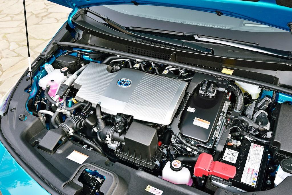 Bensinmotor med sugteknik är direktdrivande, men tack och lov prioriteras eldriften.