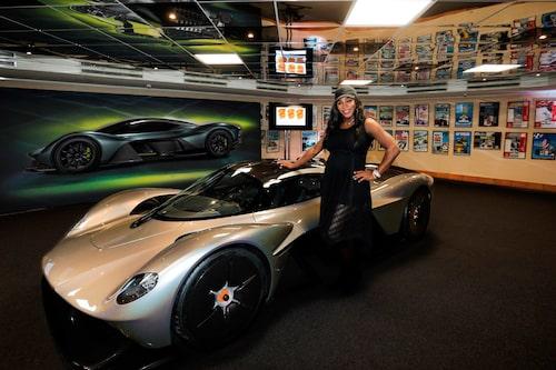 Bilden är från Aston Martins twitterflöde.