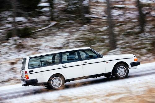 Volvo 245 Turbo blev stilbildande för Volvo. Modellen fanns enbart åren 1984-85, senare tog nykomlingen 745 Turbo över lastlustan.