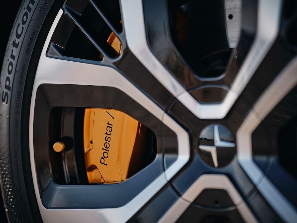 Med Performance Pack får man bromsar från Brembo på framhjulen.