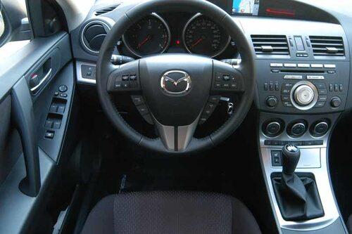 Mazda 3 går att lyxa till med nyckellös start.