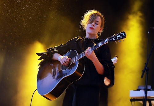 Annika Norlin aka Säkert, på Gröna Lunds scen i Stockholm 2018.