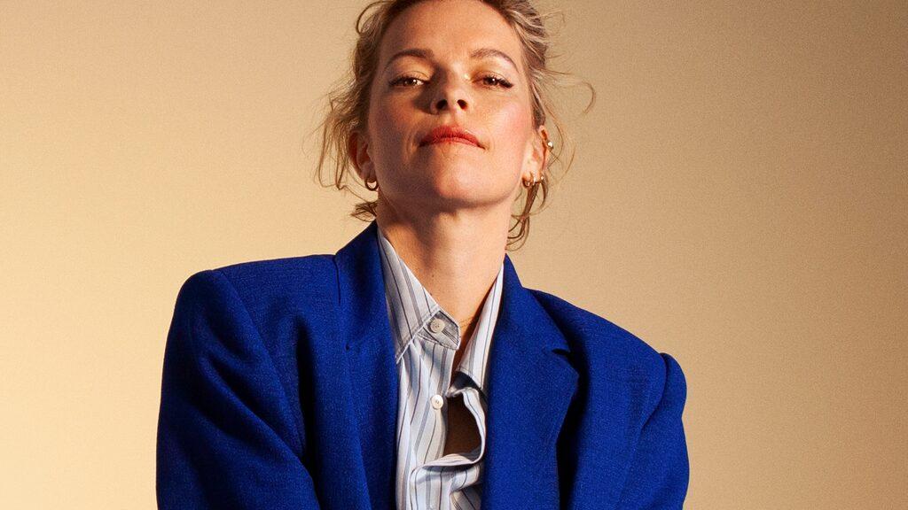 Petra Marklund är aktuell med ep:n Maneter.