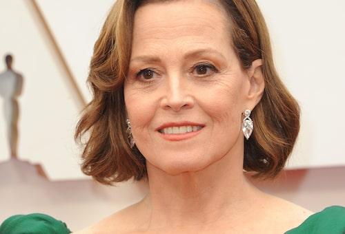 Brigitte ser till att Hollywood-ikoner som Sigourney Weaver blir redo för plåtningar och stora galor. Här: Oscarsgalan tidigare i år.