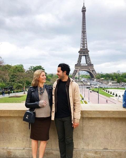 Michaela älskar Paris – och att resa med fästmannen Damon. Här med sonen Dante i magen.