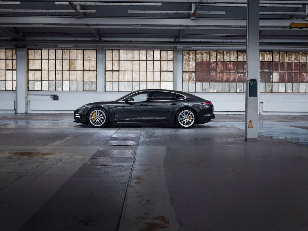 Porsche Panamera Turbo S E-Hybrid facelift.