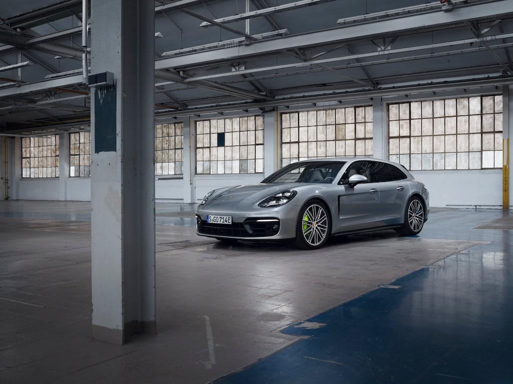 Porsche Panamera 4 E-Hybrid Sport Turismo facelift.