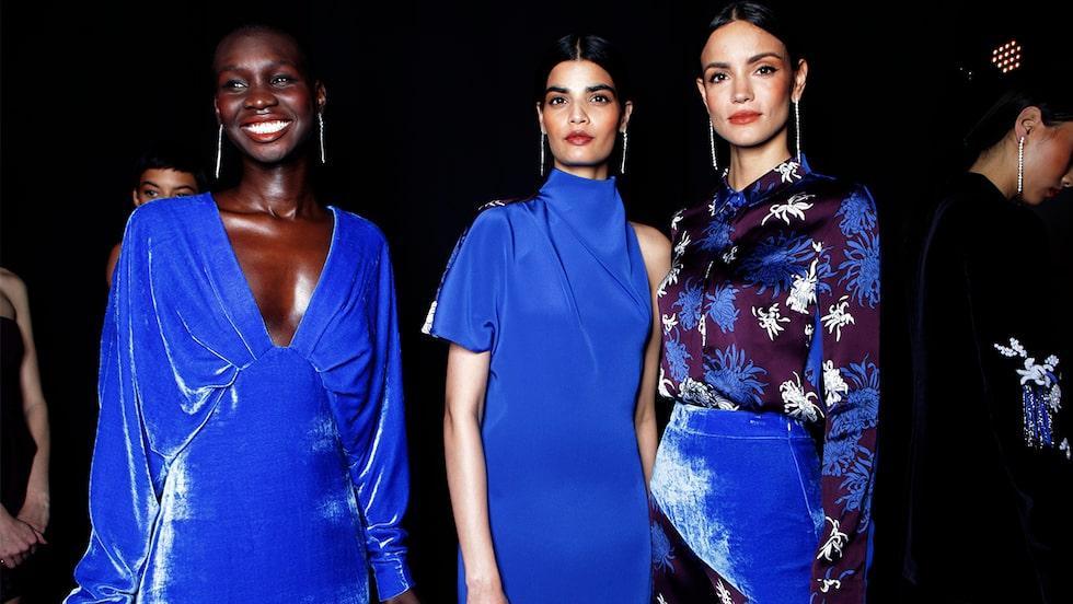 Blå festklänningar till nyår 2019.
