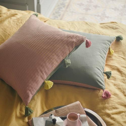 Kuddfodral Klarafina med handgjorda detaljer.