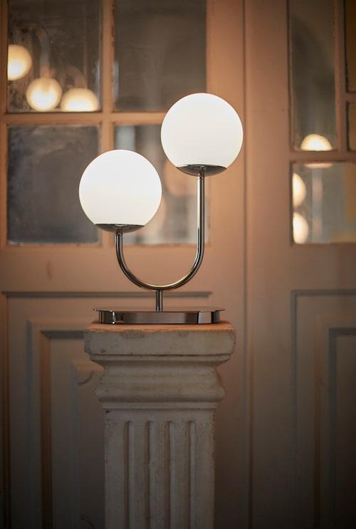 Lampmodellen Simrishamn kommer också som bordslampa.