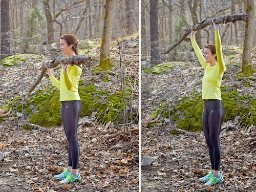 Ta stöd i magen när du gör den här övningen. Glöm inte att hålla emot på väg ner.