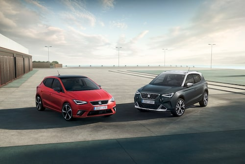 Seat Arona Xperience  (och Seat Ibiza till vänster).